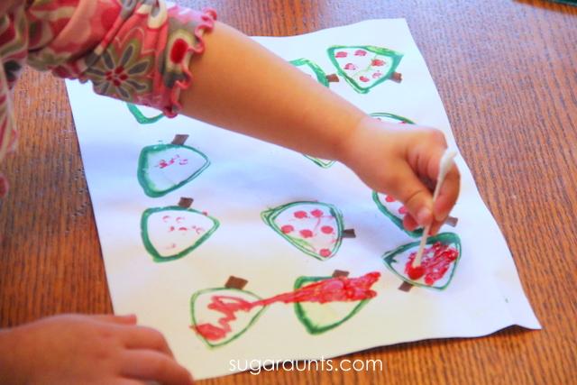 Christmas tree art activity for kids