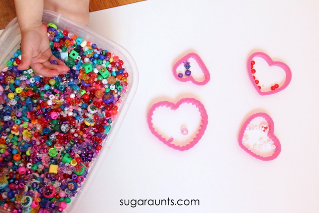 Work on fine motor skills with this Valentine's Day fine motor activity
