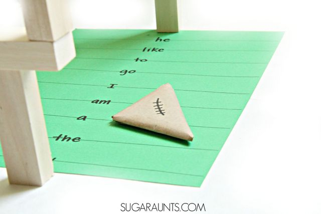 Sight word paper football game for Kindergarten students and beginner readers.
