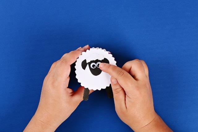 Lamb craft as a self-regulation activity for kids